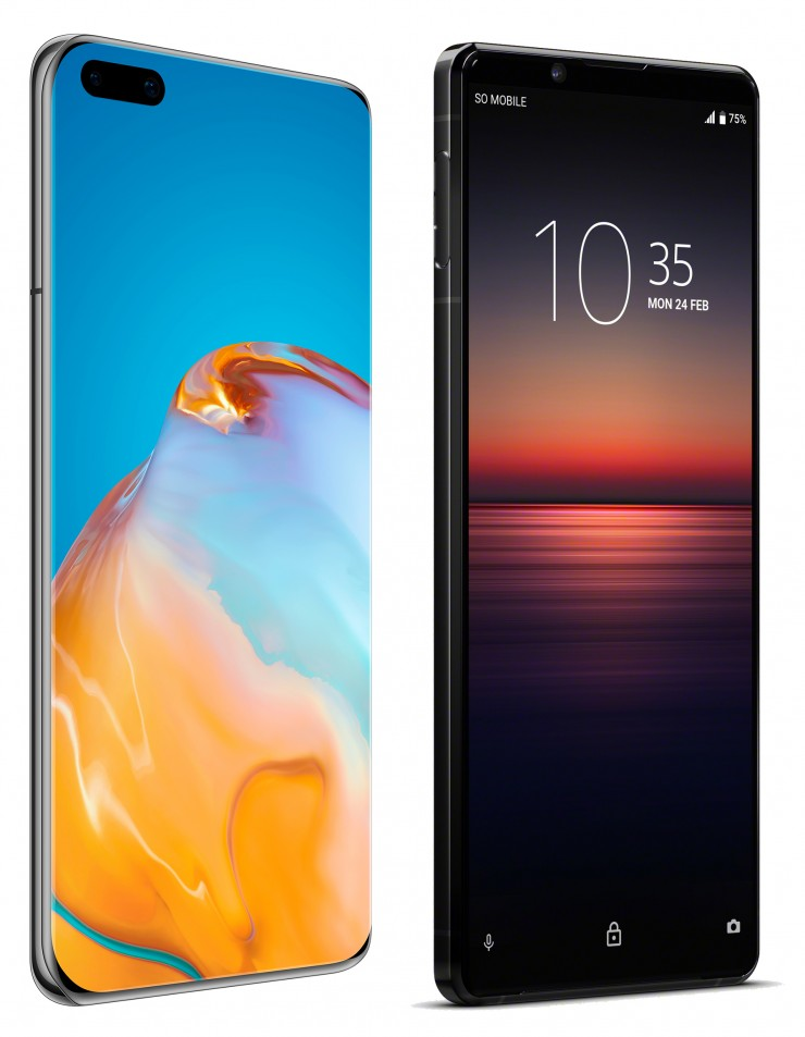 Beide Smartphones haben brillante Displays. Links: Huawei P40Pro+ (Diagonale 16,7 cm, Auflösung 2640 x 1200 Pixel), rechts: Sony Xperia 1 II (Diagonale 16,5 cm, Auflösung 3840 x 2160 Pixel).