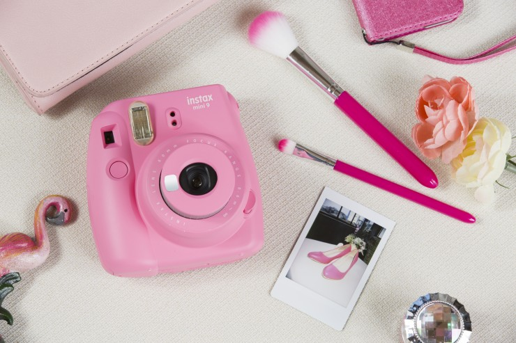 instax-mini-9-in-flamingo-pink