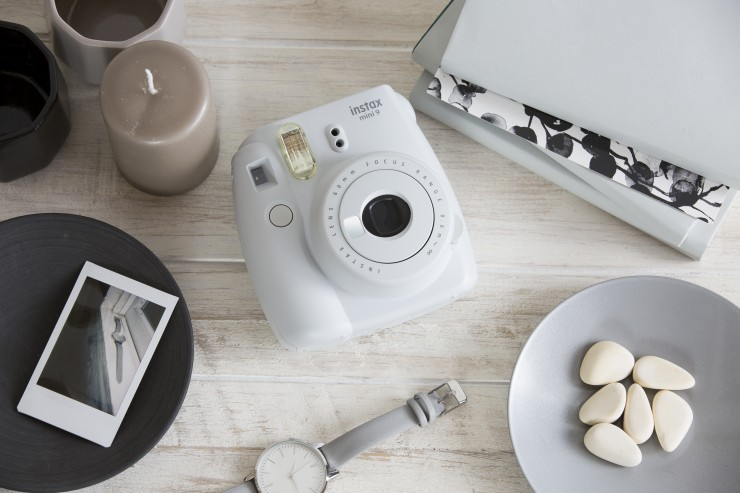 instax-mini-9-in-Smoky-White
